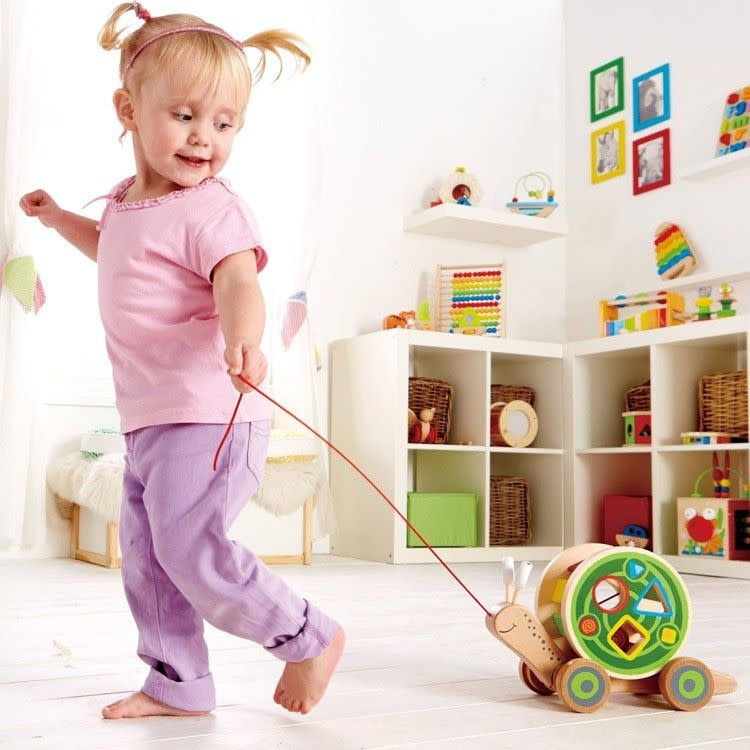 Hape Walk-A -Long Snail-1