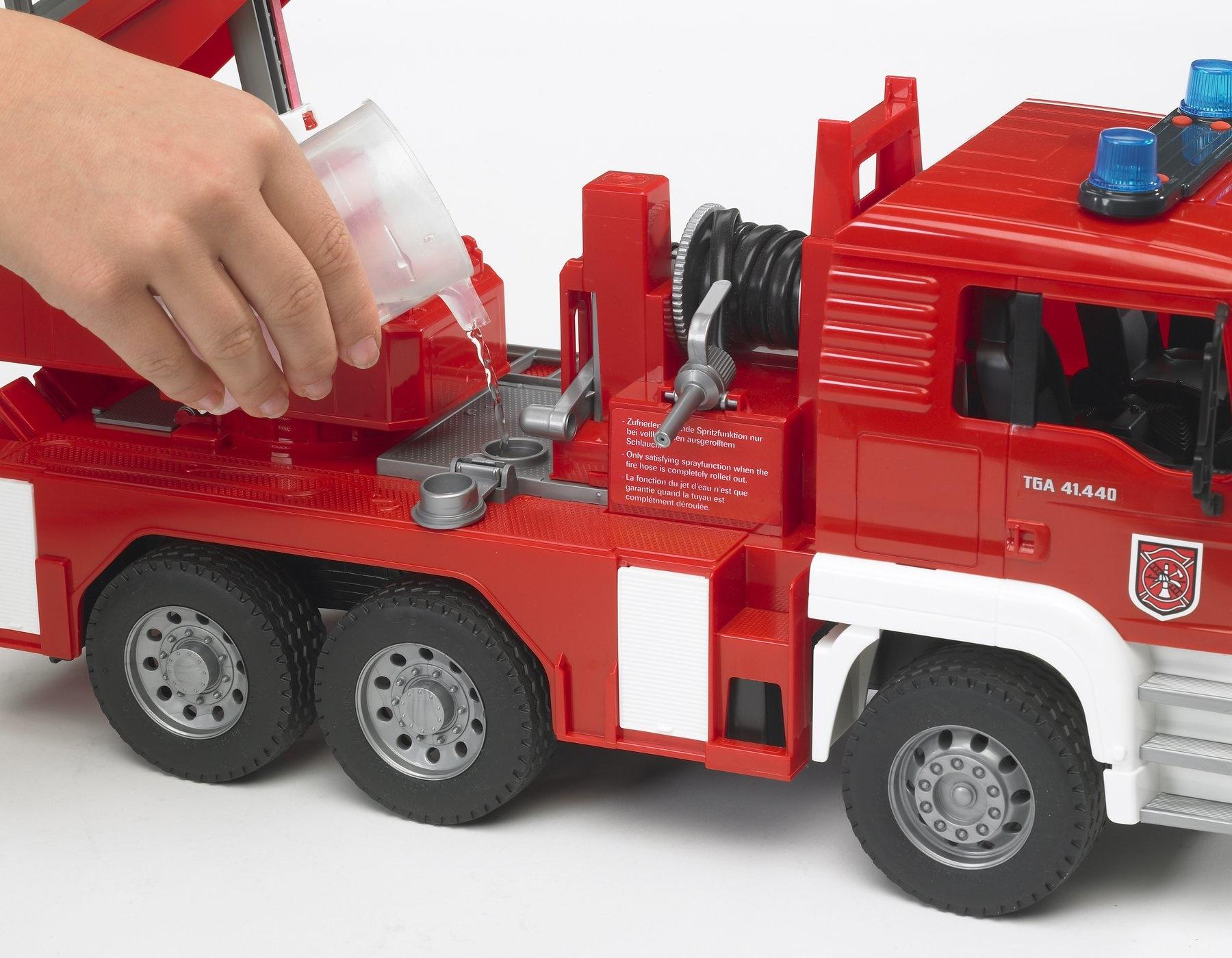 Bruder MAN TGA Fire Engine-5
