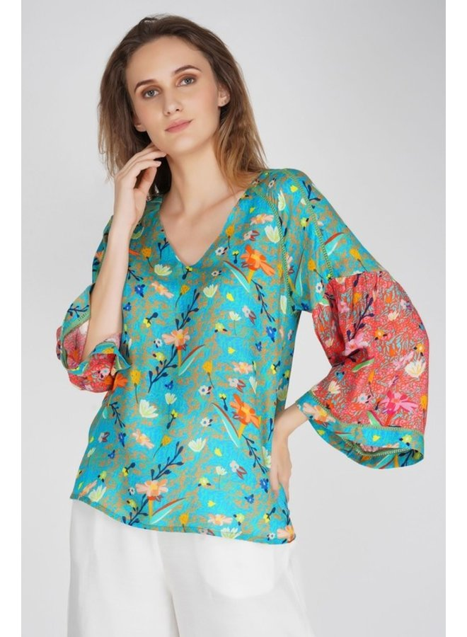 Mixed Floral Bell Sleeve Top