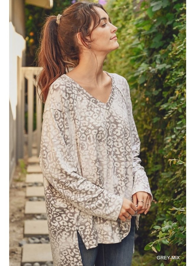 Long Sleeve Leopard Knit Top