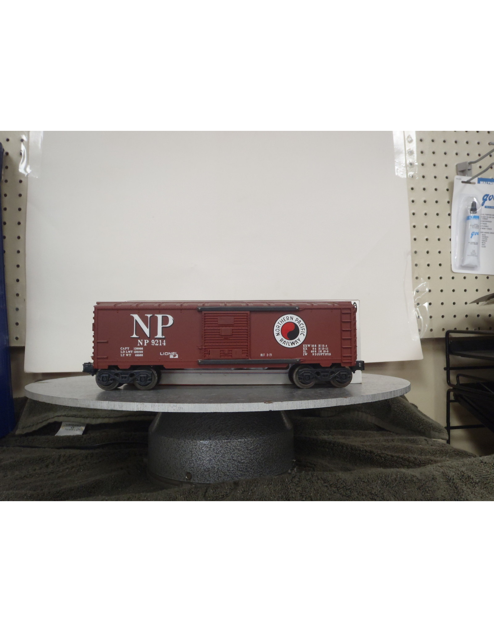 Lionel Boxcar Northern Pacific 9214