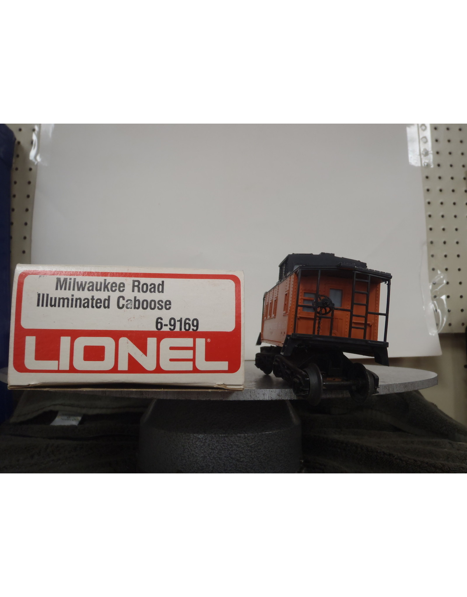 Lionel Caboose Milwaukee Rd Lighted 9169