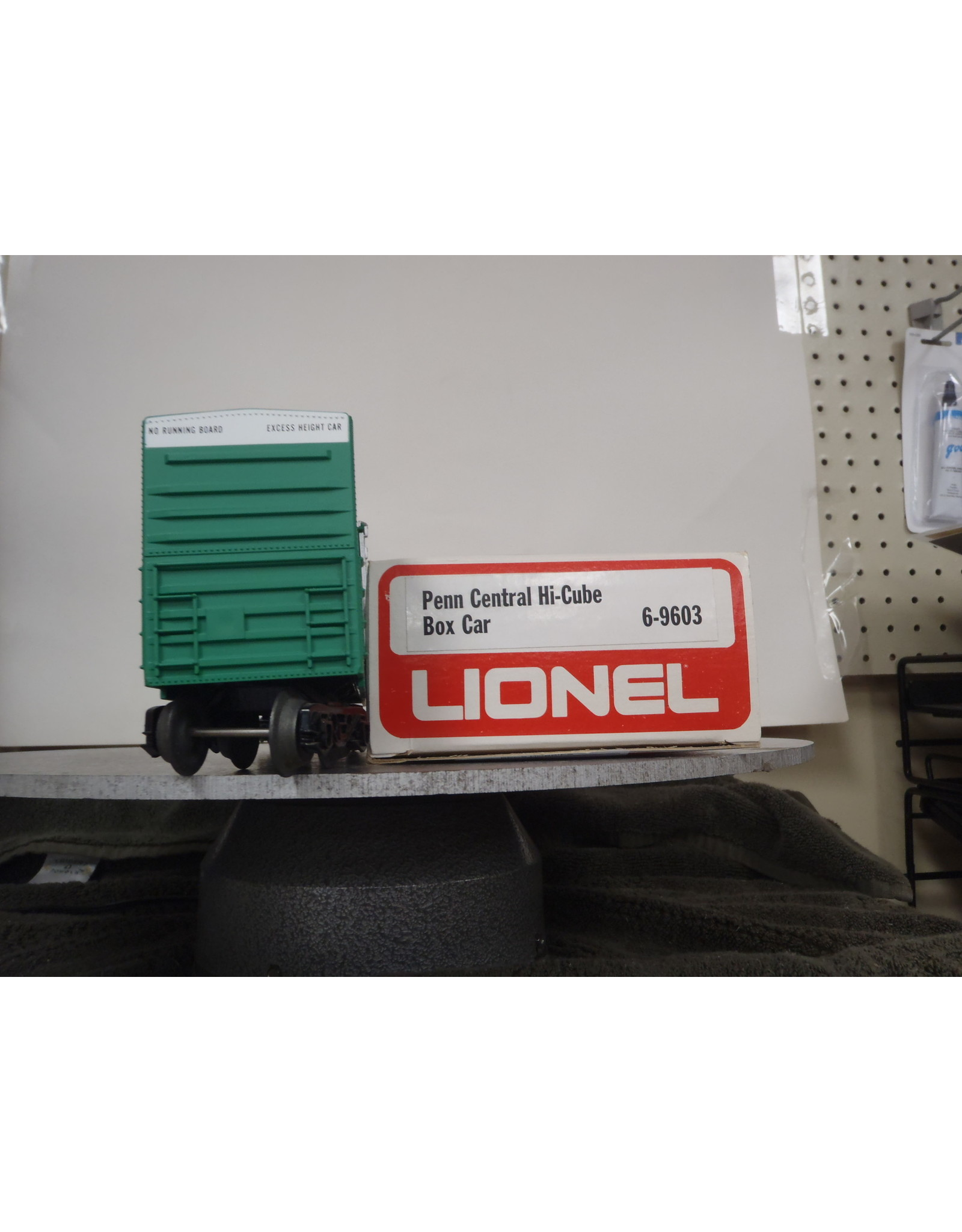 Lionel Boxcar Hi-Cube Penn Central 9603