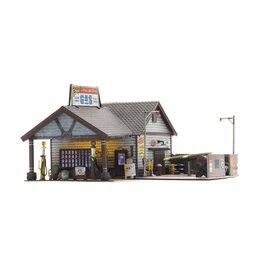 Woodland Scenics Ethyl's Gas & Service - Built-&-Ready Landmark Structures(R) -- Assembled