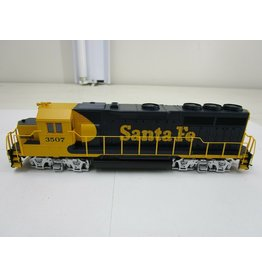 Bachmann Bachmann HO Scale EMD Gp40 3507 Locomotive Train Diesel Santa FE Flyer DCC