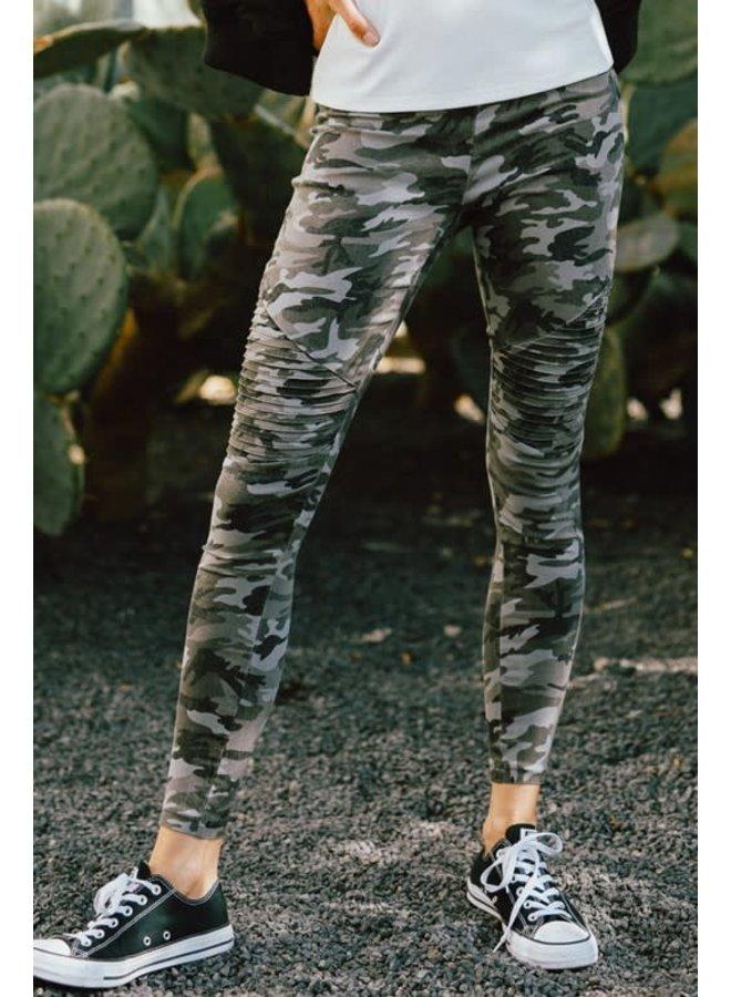 Camo Skinny Pants Large