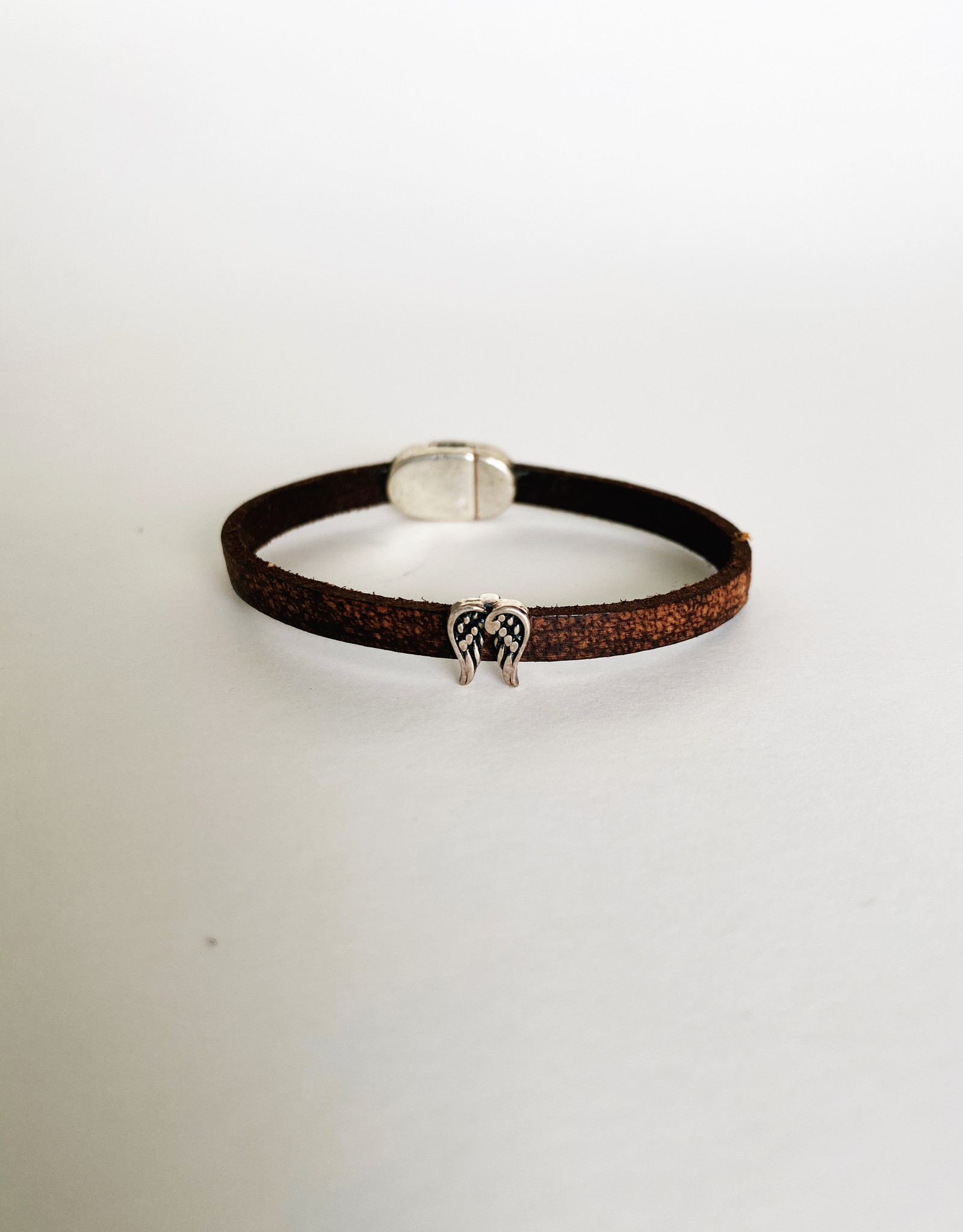 MY FAVORITE AUNT MY FAVORITE AUNT MFAB14 SKINNY LEATHER WING BRACELET