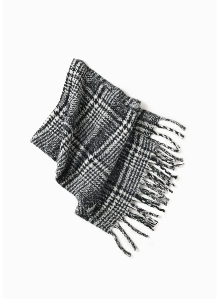 Enlarged Houndstooth Scarf