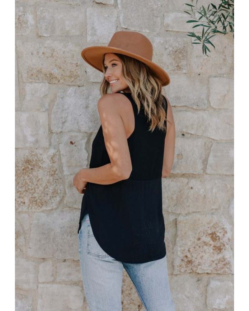 Love Stitch Casual Flows Sleeveless Top