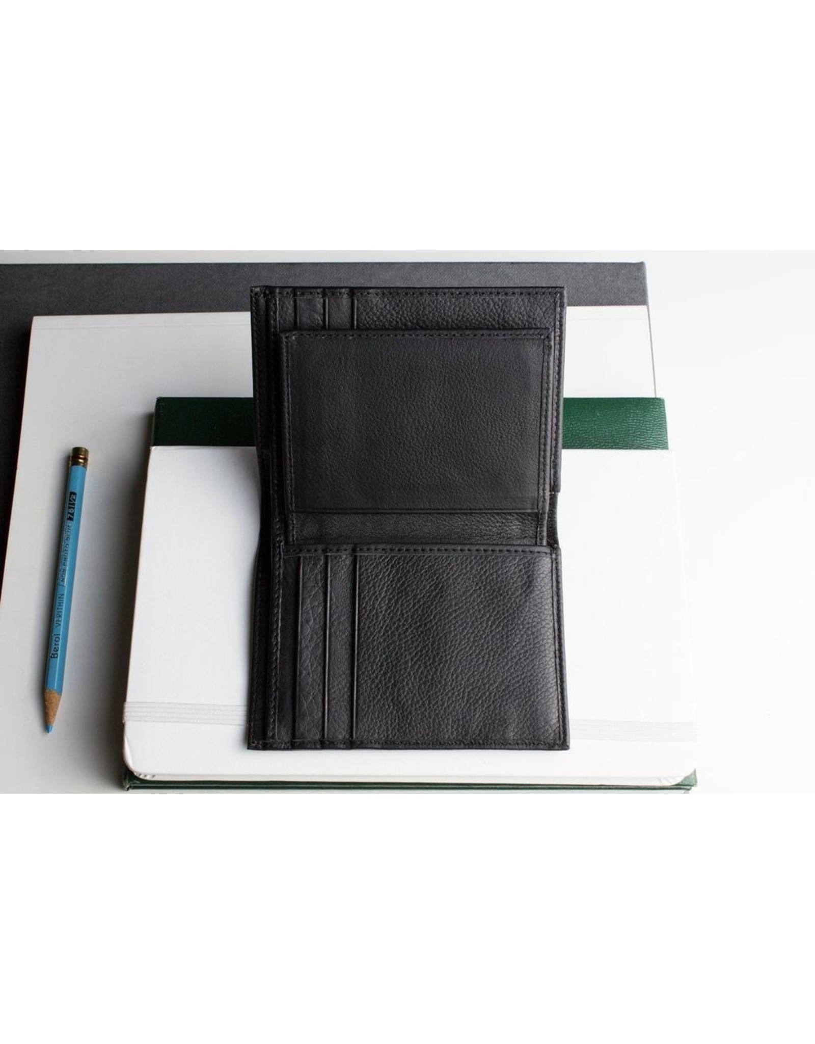 Slimfold Passcase Leather Wallet In Black