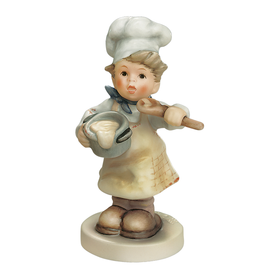Figurine In the Kitchen 2038 151423 M.I. Hummel