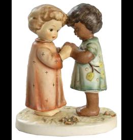 Hummel Friends Together Figurine 662/0 Unicef 155104 Hummel