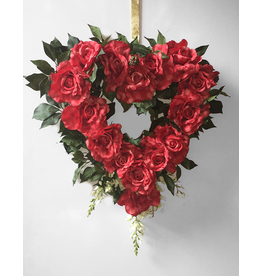 Digs Heart Shaped Wreath w Roses and Greens on Metal Wire