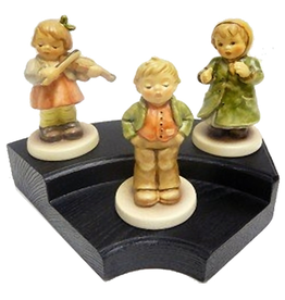 Club Exclusive Edition Kinder Choir 3 Piece Set w Stage
