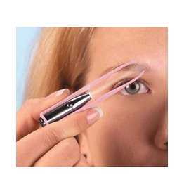 DM Merchandising Spot On Illuminating Lighted Tweezers