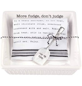 Mud Pie Fudge Baker With Spatula And Towel Set