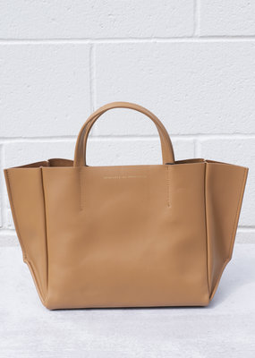 Ampersand As Apostrophe Half Tote - Smooth Tan