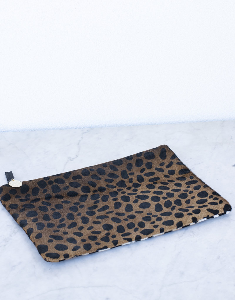 clare vivier Flat Clutch - Leopard Hair