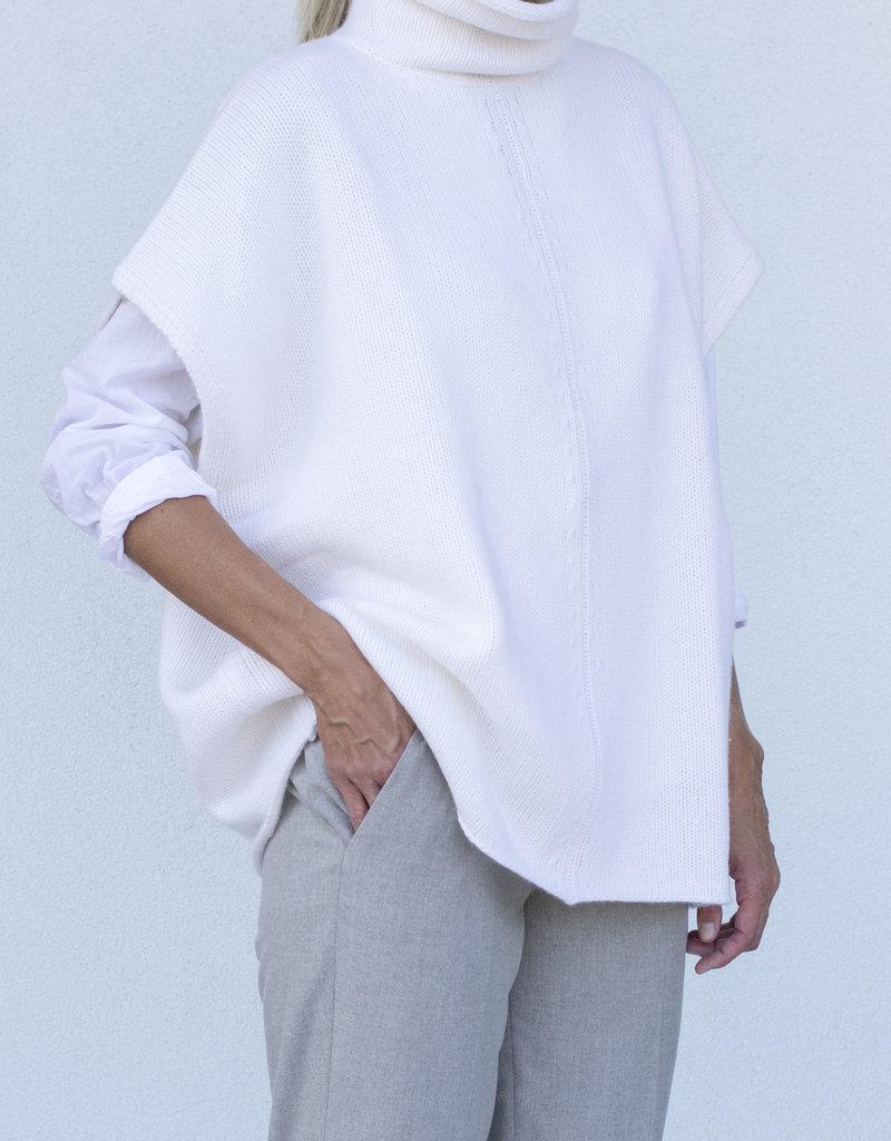 Allude Poncho Turtleneck Short Sleeve - Fleur De Sel