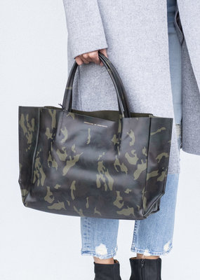Ampersand As Apostrophe Sideways Tote - Green Camo