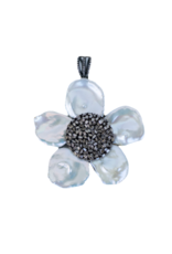 The Woods Fine Jewelry Mother of Pearl Flower