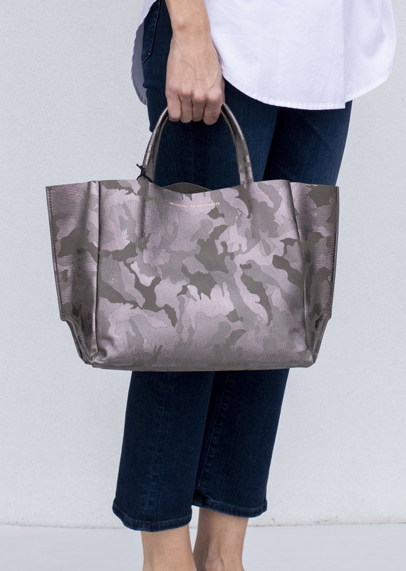 Ampersand As Apostrophe Half Tote - Iridescent Night