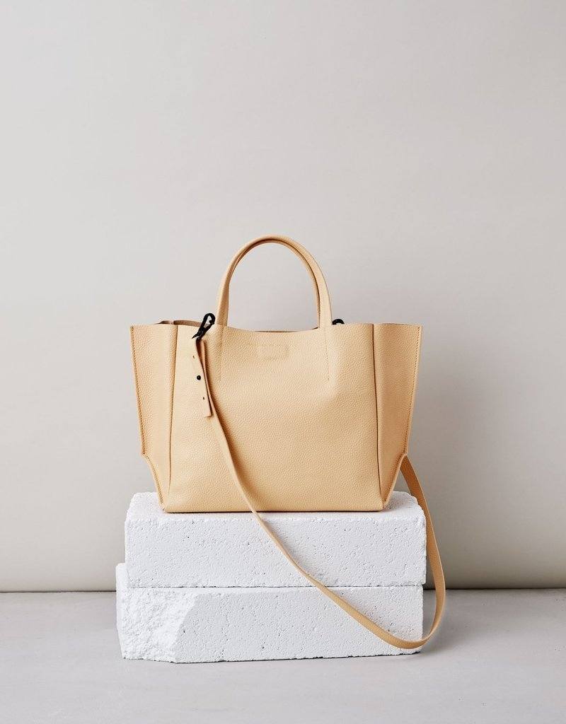 Ampersand As Apostrophe Half Tote-Nude