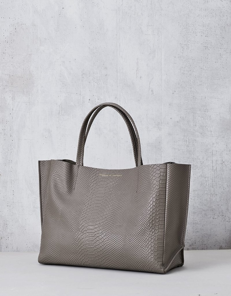 Ampersand As Apostrophe Sideways Tote-Taupe Python