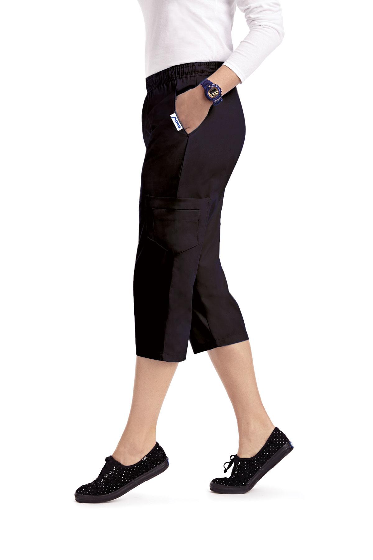 MOBB Black Women's Capri Pants 314P