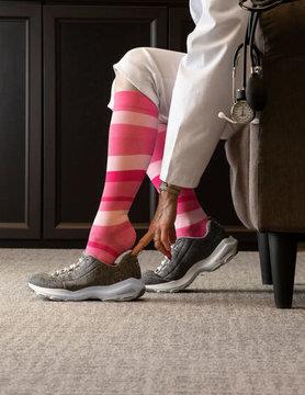 830 Style Microfiber Patterns Calf Sigvaris Compression Stockings Pink Stripe (15)
