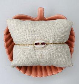 Le Petit bijou de Paris Bracelet - Coquillage avec petits rubis bruts plaqué or 18 K