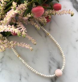 """Flora Ciccarelli Collier 15"""" en perles et pierre en opale rose (220-212)"""
