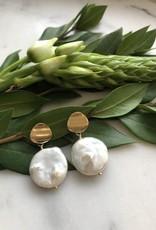 Flora Ciccarelli Boucles d'oreilles avec pastille ondulé et perle 'pleine lune' (120-104)