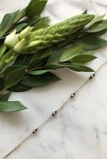 Flora Ciccarelli Bracelet avec rondelles en gold-filled et lapis lazuli (120-002)