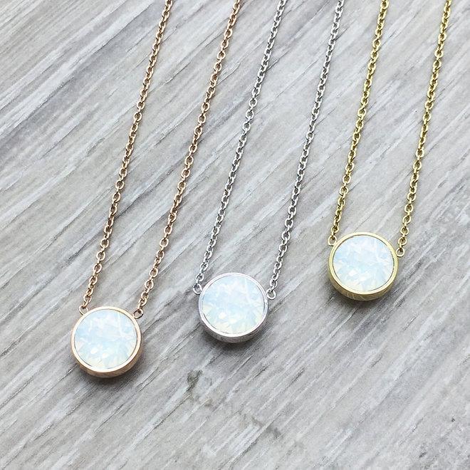 Collier Swarovski opale blanche en acier inoxydable