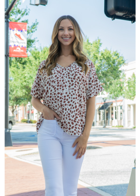 Entro Spotted V-Neck Short Sleeve Top - Leora