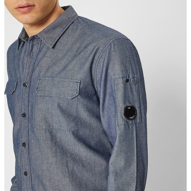 Chambray Button-up Shirt in Normal Washed Denim