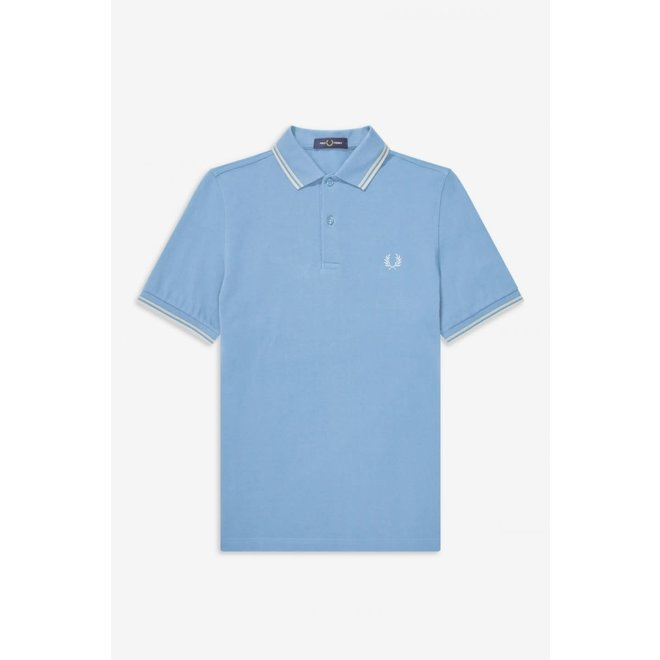 Twin Tipped Fred Perry Shirt in Blue/Snow White