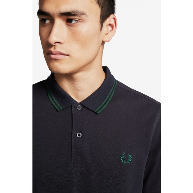 Twin Tipped Fred Perry Shirt in Navy/Ivy