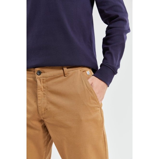 Chino Pants in Chestnut