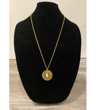 Sioro Jewelry Long chain with medallion