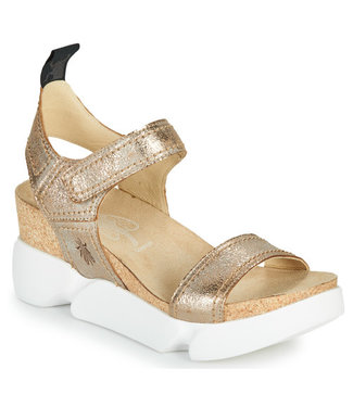 Fly Crackle Gold Leather Sandal