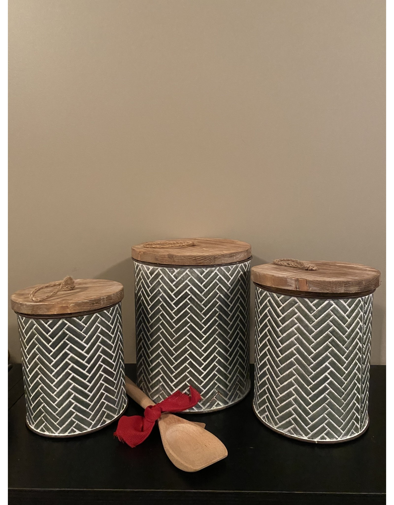 PD Home & Garden Embossed Metal with White Accent Canister Large