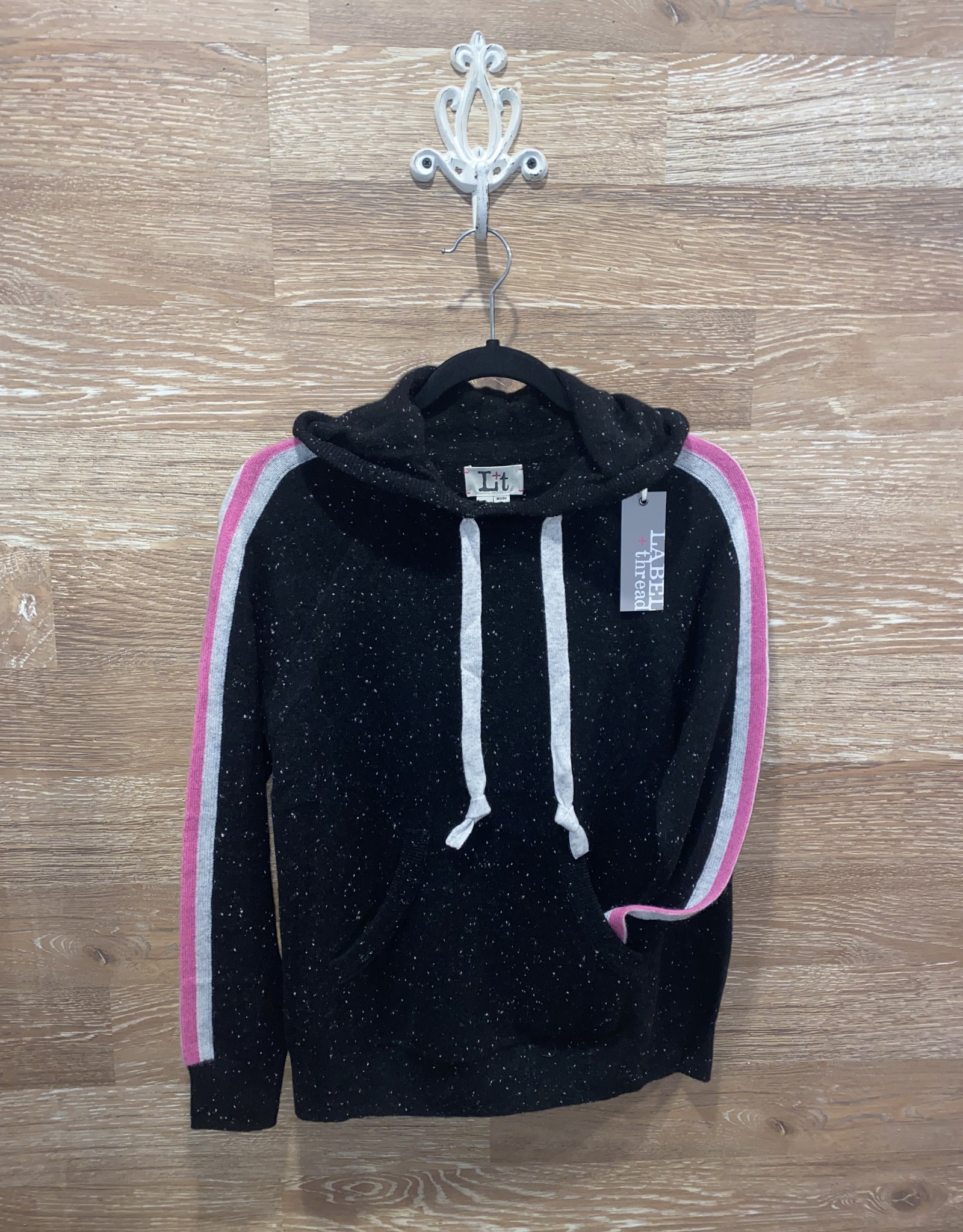 Label and thread Hannah Hoodie