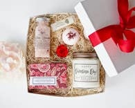 THE LITLE FLOWER SOAP CO VALENTINES SPA GIFT BOX LRG
