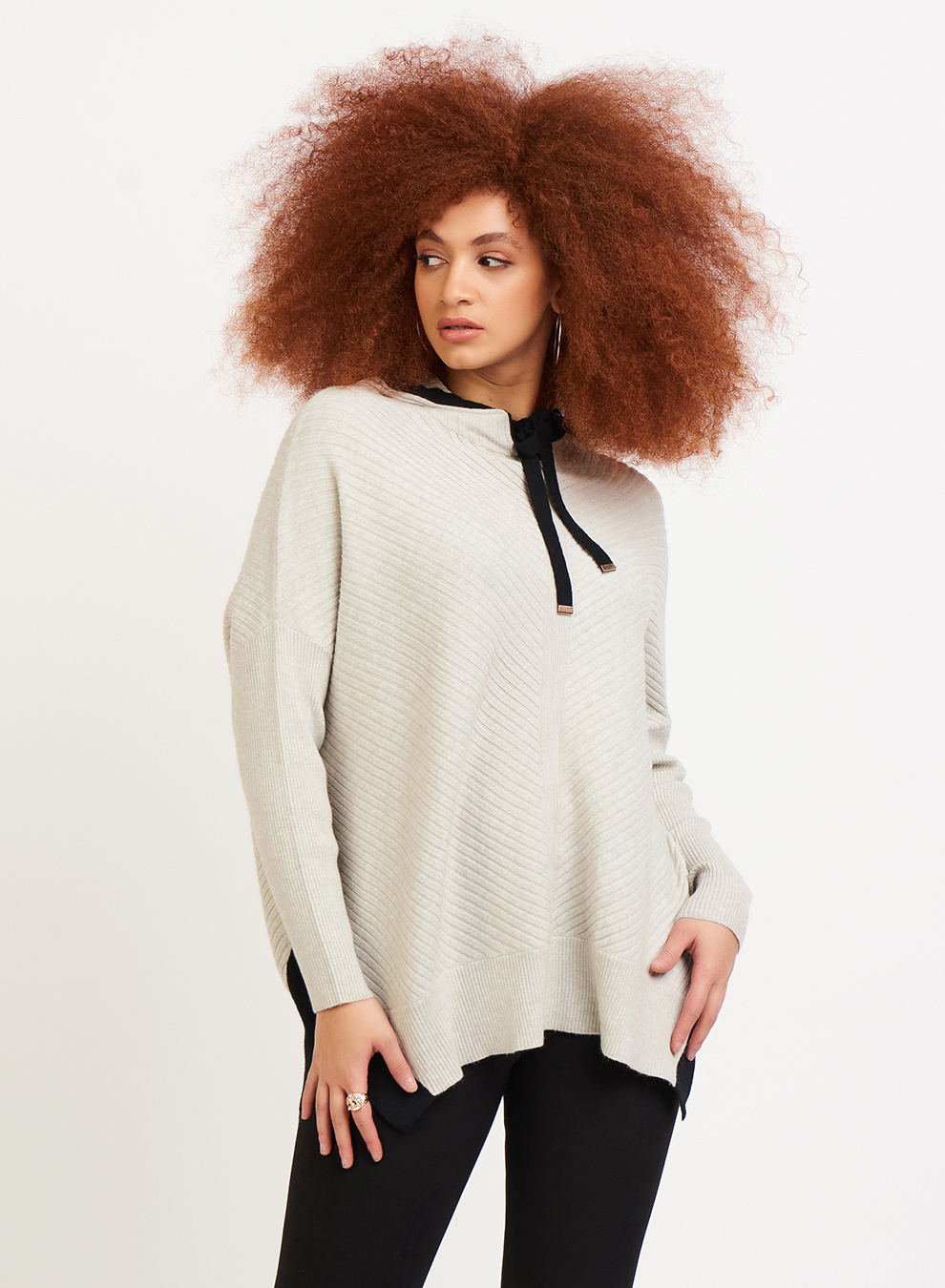 SWEATER WITH CONSTRAST SIDE TRIM
