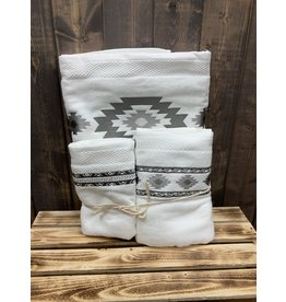 HiEnd Accents 3 PCE FREE SPIRIT EMBROIDERED TOWELS WHITE
