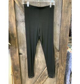 BLACK LEGGING WITH CUT OUT