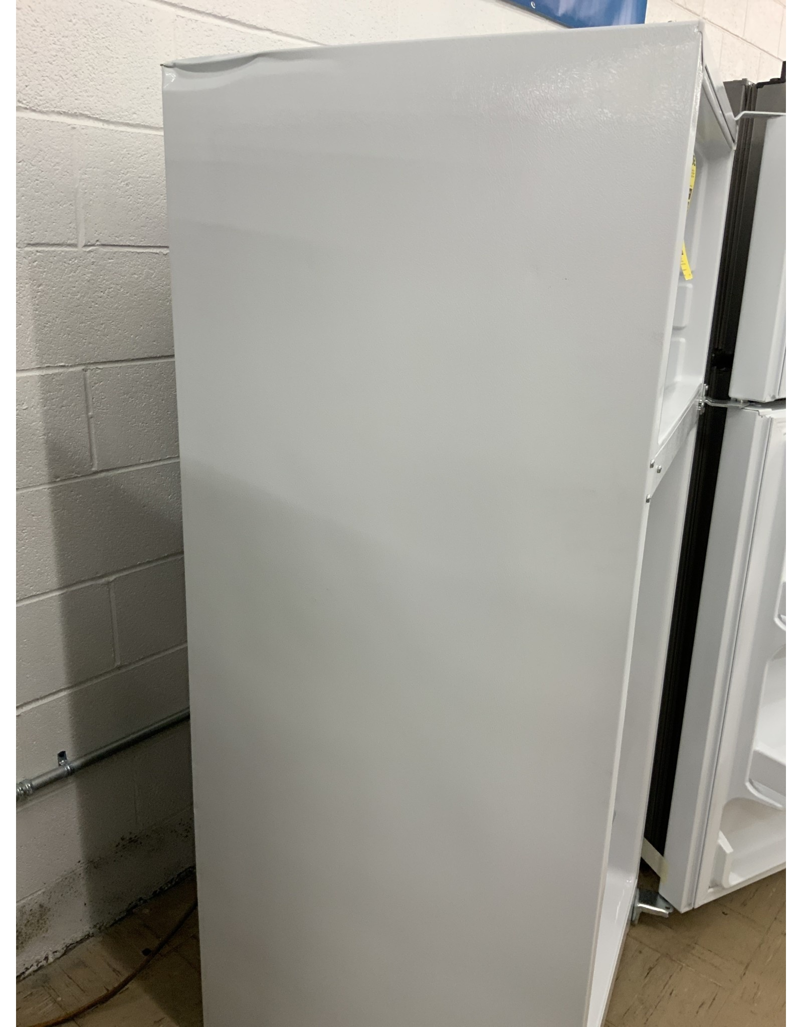 GE GTS17DTNRWW 16.6 cu. ft. Top Freezer Refrigerator in White