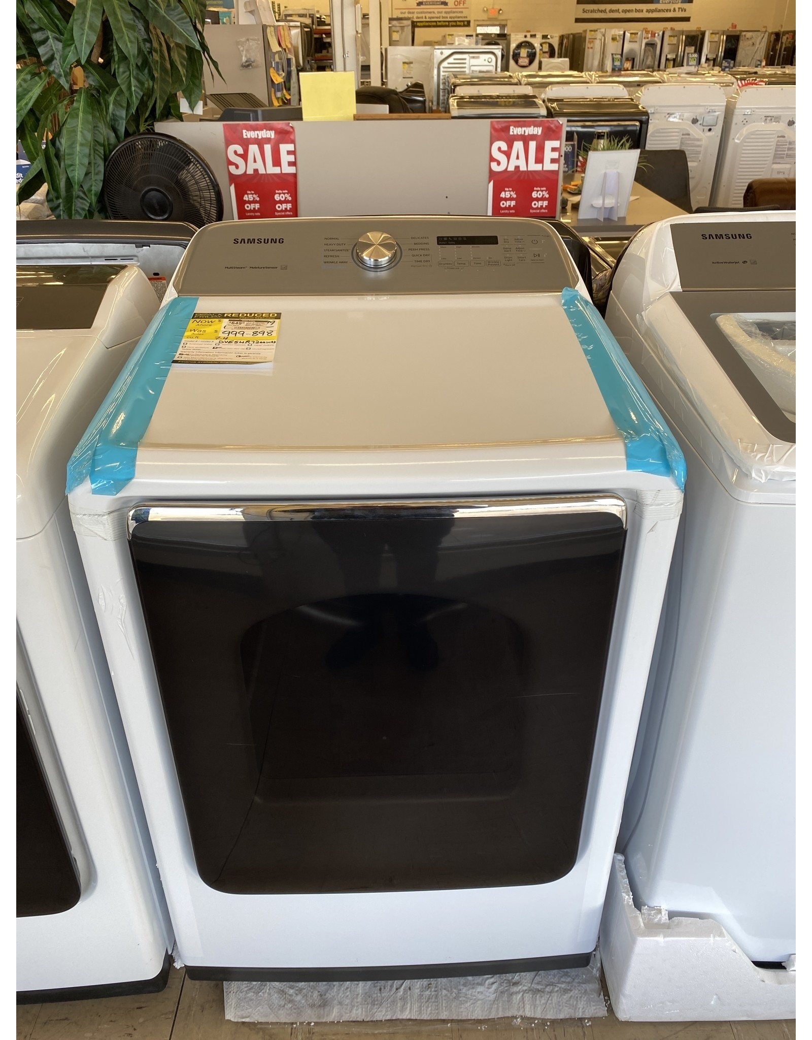 SAMSUNG DVE54R7200W 7.4 cu. ft. 240-Volt White Electric Vented Dryer with Steam Sanitize+, ENERGY STAR